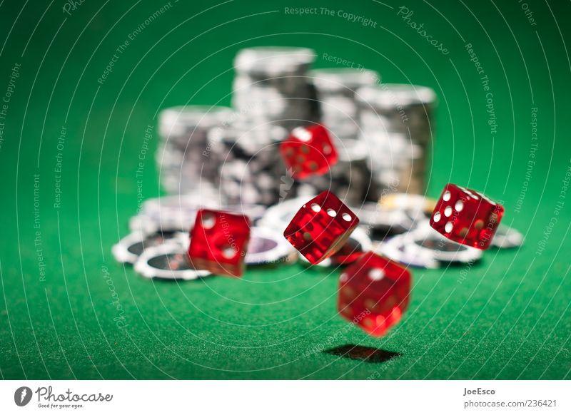 #236421 grün rot Spielen Glück Würfel Erfolg Hoffnung Geld Risiko Spannung fliegend Spielkasino Laster Filz mehrfarbig Glücksspiel