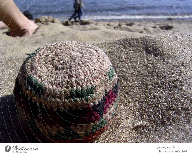 strandperle Strand Freizeit & Hobby Elbe Hacky Sack Sonne Beine Makroaufnahme Wasser 2 personen