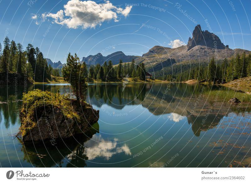 Lago di Federa ein traumhafter Bergsee_001 Himmel Ferien & Urlaub & Reisen Sommer Wasser Landschaft Erholung Wolken ruhig Ferne Berge u. Gebirge Lifestyle