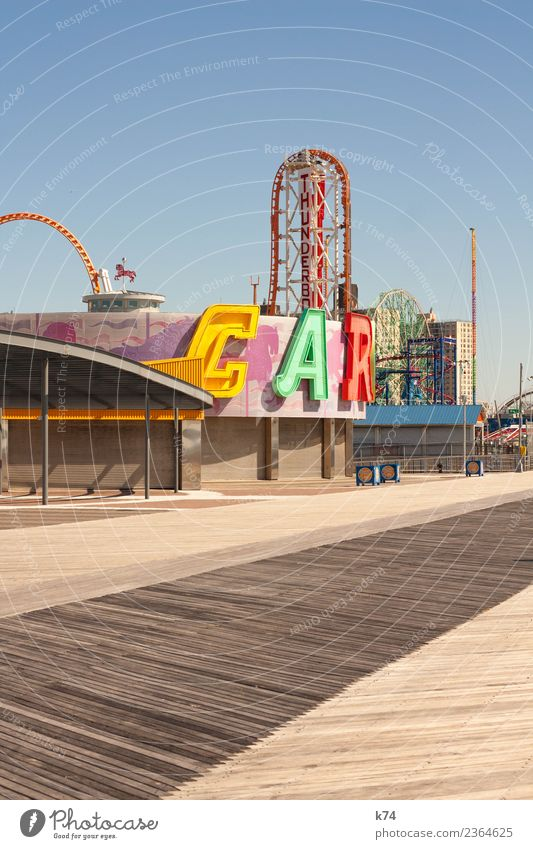 NYC - Luna Park Coney Island - CAR blau grün rot Architektur gelb Holz Metall träumen frisch USA Freundlichkeit violett Hauptstadt Amerika Wolkenloser Himmel