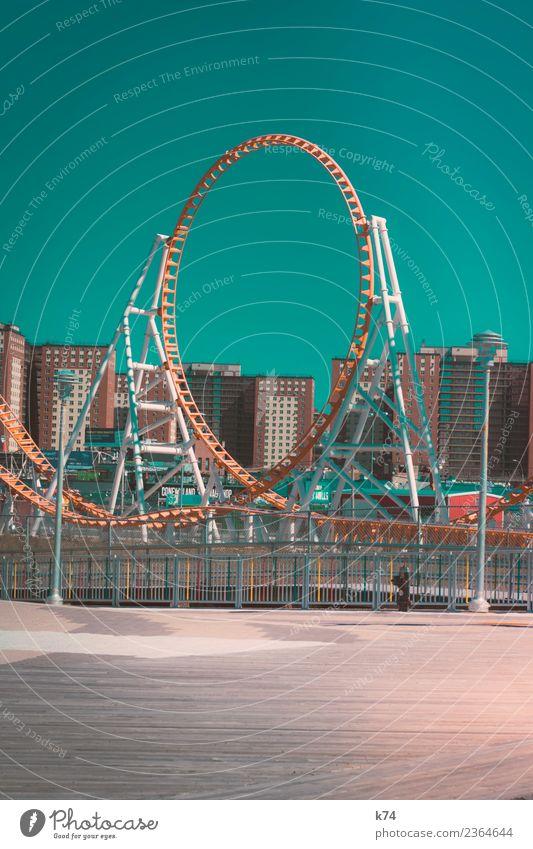 NYC - Luna Park Coney Island - Roller Coaster Jahrmarkt New York City USA Hauptstadt Stadtrand Menschenleer Haus Fassade außergewöhnlich frisch Originalität