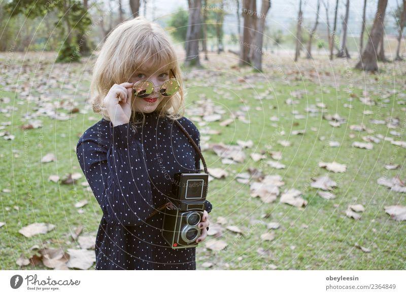 Frau Mensch Ferien & Urlaub & Reisen Jugendliche Sommer schön Landschaft Sonne Freude Gesicht Erwachsene Lifestyle lustig natürlich Gefühle Stil