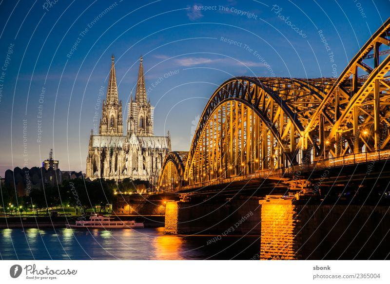 Kölner Hohenzollernbrücke Stadt Skyline Dom Ferien & Urlaub & Reisen Deutschland Großstadt Cityscape Rhein Kölner Dom Farbfoto Abend Dämmerung Nacht
