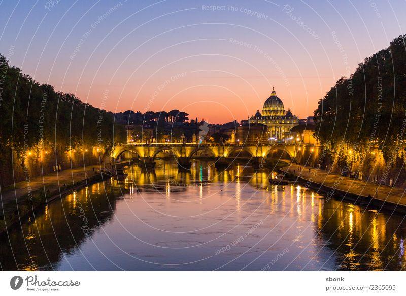 Rom am Abend Ferien & Urlaub & Reisen Bauwerk Gebäude Architektur Sehenswürdigkeit Wahrzeichen Denkmal Roma Italien Großstadt Architecture Europa EU Farbfoto