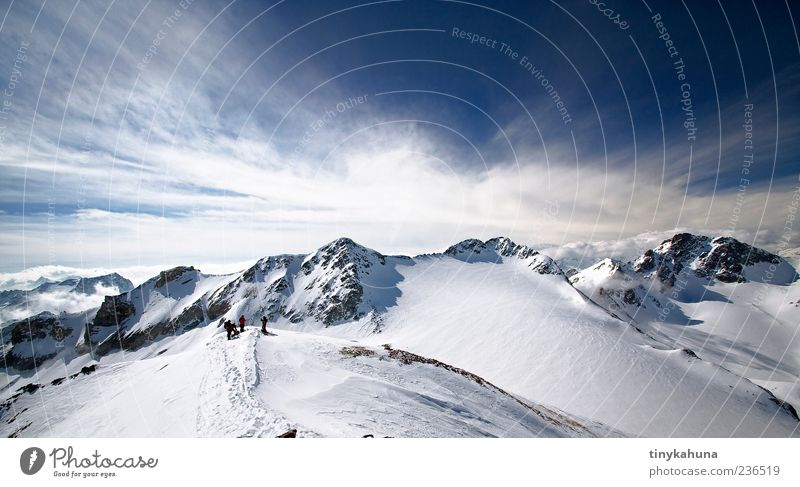 Piz Traunter Ovas (3151m) Himmel Natur blau weiß Winter Wolken Landschaft kalt Schnee Berge u. Gebirge Menschengruppe Eis ästhetisch Frost Alpen Schönes Wetter