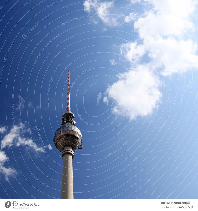 368 Meter auf Sendung Stadt Wolken Berlin Architektur Gebäude glänzend hoch groß Beton modern ästhetisch leuchten stehen Technik & Technologie Telekommunikation Spitze