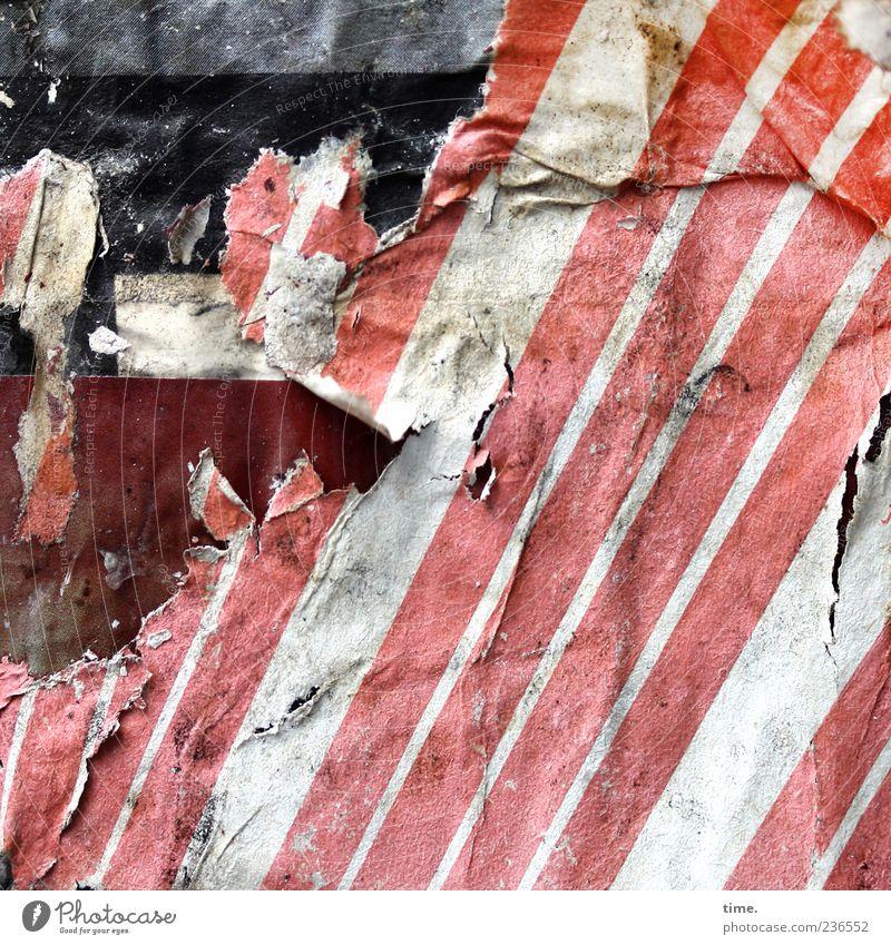 Papier ist geduldig Streifen alt dreckig dunkel hässlich kaputt verrückt trashig rot weiß Nostalgie Vergänglichkeit Wandel & Veränderung Werbung Plakat Karton