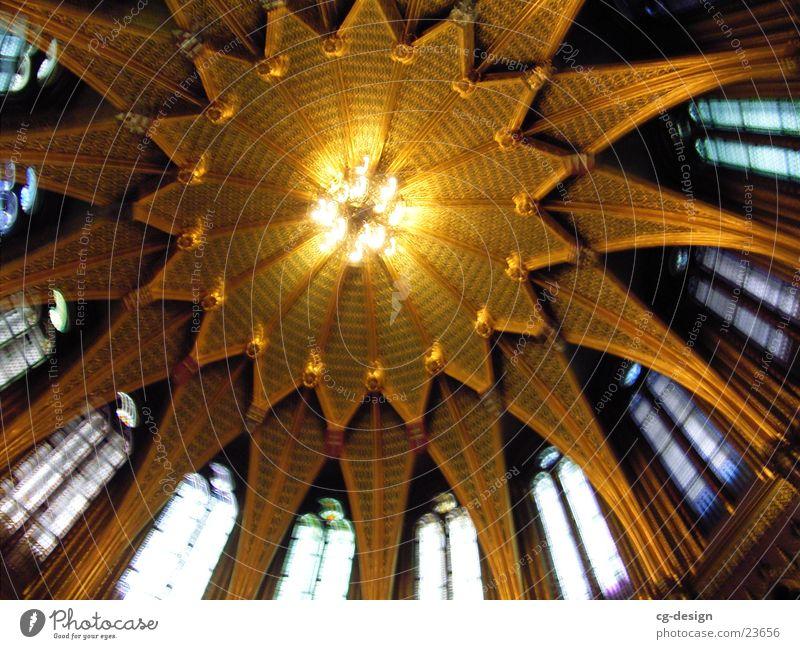 Kirche Budapest I Fenster Gebäude Religion & Glaube Architektur historisch Decke