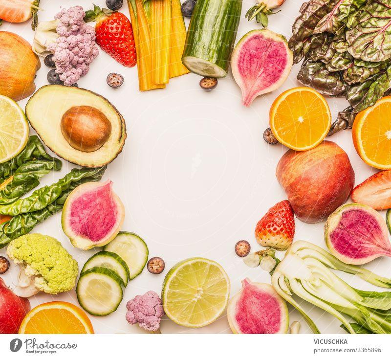 Obst und Gemüse Rahmen auf weiß Lebensmittel Salat Salatbeilage Frucht Apfel Orange Ernährung Bioprodukte Vegetarische Ernährung Diät Stil Design Gesundheit