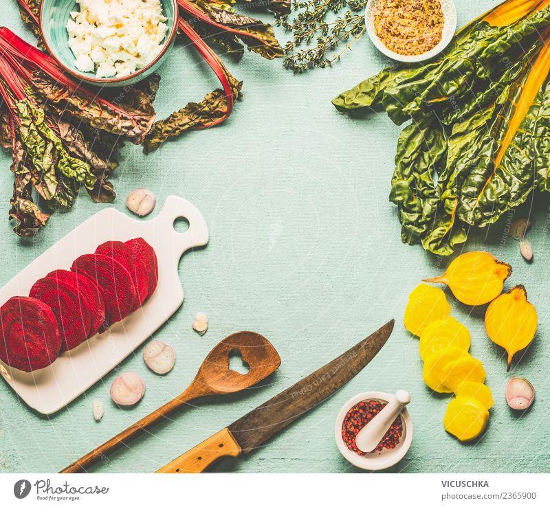 Gelbe und Rote Beten kochen Lebensmittel Gemüse Suppe Eintopf Kräuter & Gewürze Öl Ernährung Bioprodukte Vegetarische Ernährung Diät Geschirr Messer Löffel Stil