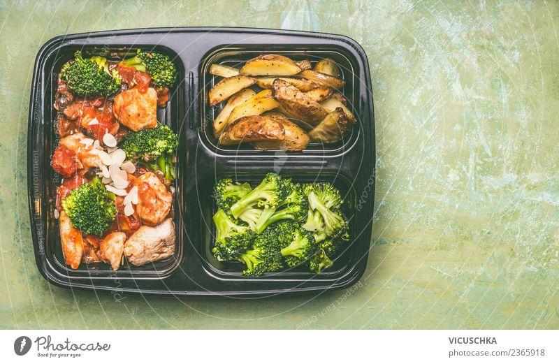 Gesunde, ausgewogene Mahlzeit zum Mitnehmen Lebensmittel Fleisch Gemüse Salat Salatbeilage Ernährung Mittagessen Büffet Brunch Bioprodukte Diät Geschirr Stil