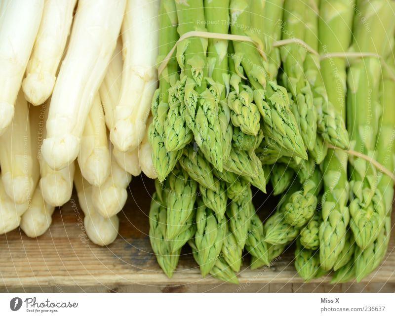 Spargel weiß grün Lebensmittel Gemüse Ernährung Gemüsemarkt Obst- oder Gemüsestand Spargelzeit Spargelbund Spargelspitze