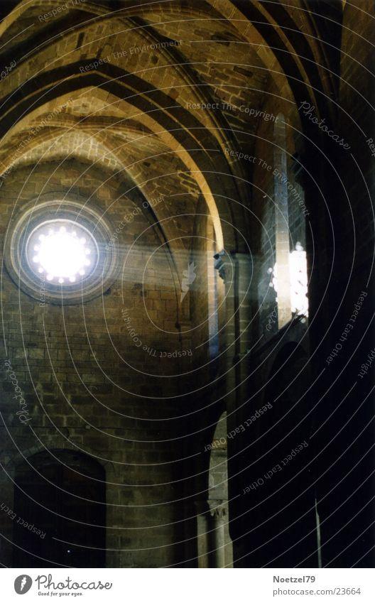 Lichteinfall Strahlung Fenster Kirchenschiff Gotteshäuser Religion & Glaube Lichterscheinung