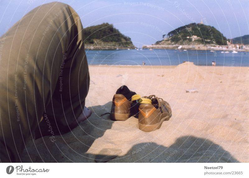 Strandschuhe Mensch Meer Strand Schuhe Beine