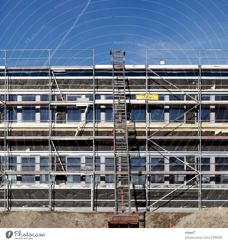 Dämmung Haus Fenster Wand oben Architektur Stein Mauer Gebäude Linie Fassade modern frisch authentisch neu Streifen Baustelle