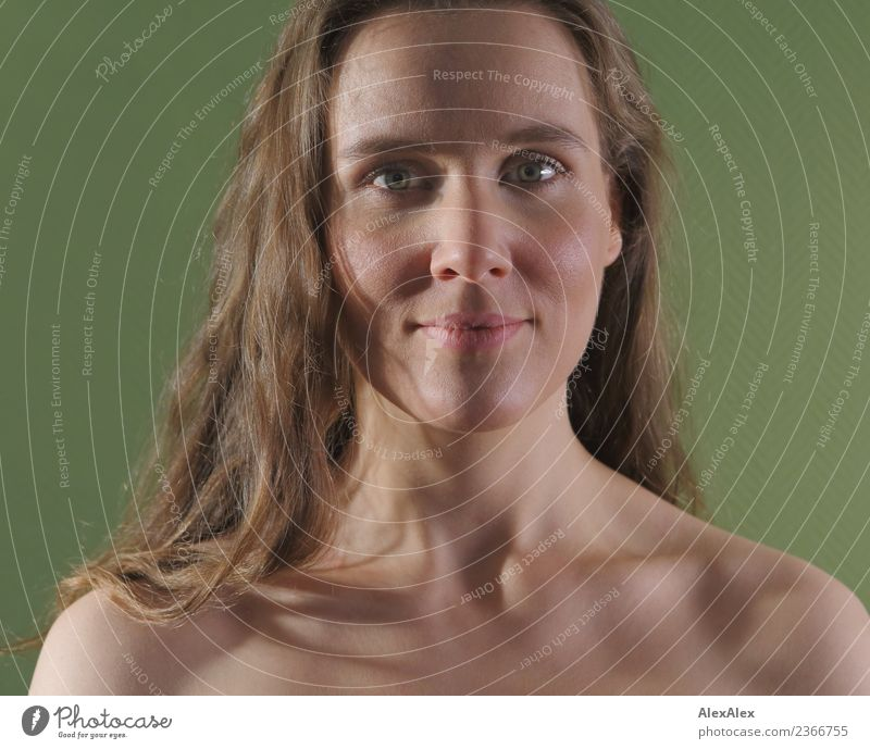 grün Jugendliche nackt Junge Frau schön Erotik 18-30 Jahre Gesicht Erwachsene Leben natürlich feminin Wohnung Zufriedenheit ästhetisch authentisch