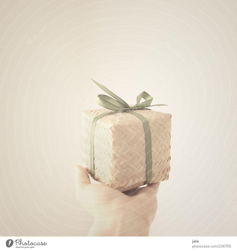liebe bitti... Hand Freude Glück Freundschaft Zufriedenheit Geburtstag Finger Fröhlichkeit Geschenk Lebensfreude geben schenken Mensch haltend natürliche Farbe