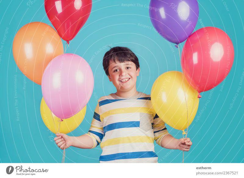 Kind Mensch Ferien & Urlaub & Reisen Freude Lifestyle Gefühle lachen Junge Glück Freiheit Party Feste & Feiern maskulin Kindheit Geburtstag Fröhlichkeit