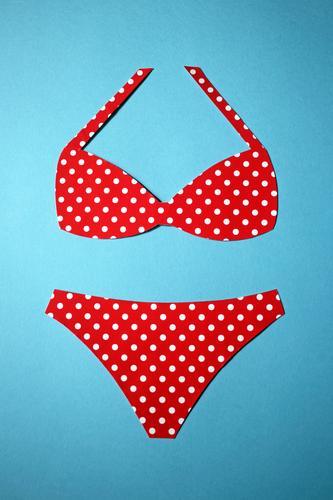Der Sommer kann kommen Ferien & Urlaub & Reisen blau weiß rot Strand Sport Mode Schwimmen & Baden Freizeit & Hobby Bekleidung Sommerurlaub Sonnenbad Bikini