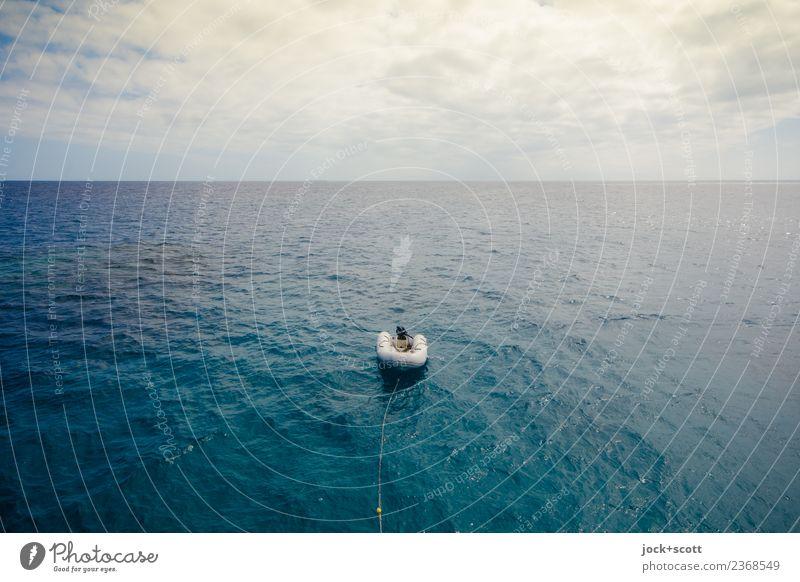 Endlos mit Beiboot Ferne Expedition Himmel Wolken Wärme Meer Pazifik Great Barrier Reef Schifffahrt Schlauchboot authentisch Stimmung ruhig Freiheit Idylle