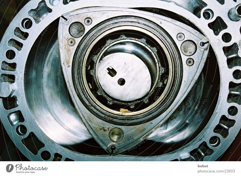 Wankel hin, wankel her ... Fahrzeugbau Entwicklung schütteln zünden Antrieb Wagen Industrie Wankelmotor Technik & Technologie Erfinden Zündung PKW