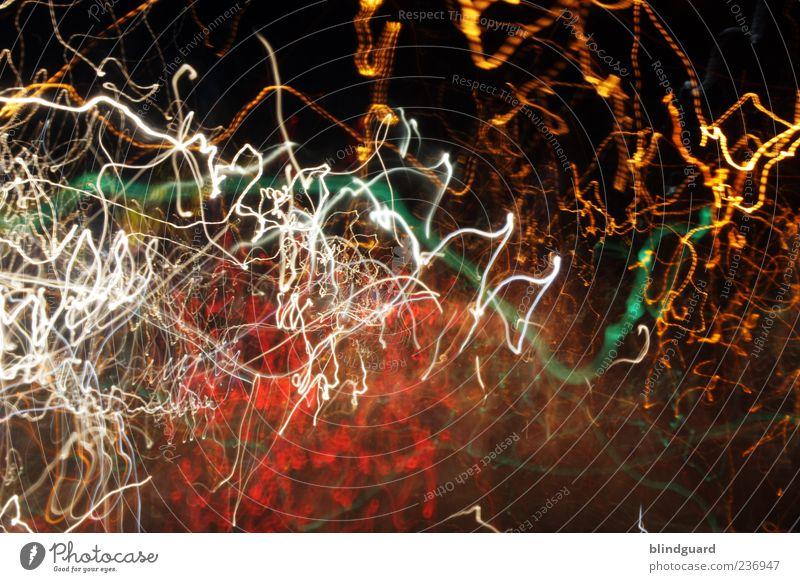 Hit The Lights weiß grün rot gelb Linie Geschwindigkeit leuchten viele lang chaotisch durcheinander Irritation Nachtleben Leuchtspur Lichtstreifen