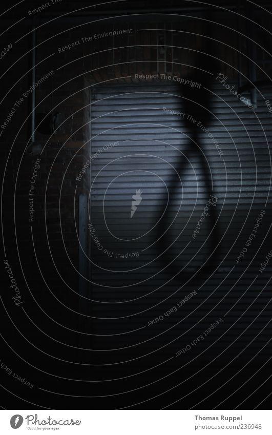Tatort Industrieanlage Fabrik Tor Gebäude Mauer Wand Fassade Seil Schlaufe hängen bedrohlich dunkel gruselig Gefühle Stimmung Schmerz Angst Entsetzen Todesangst