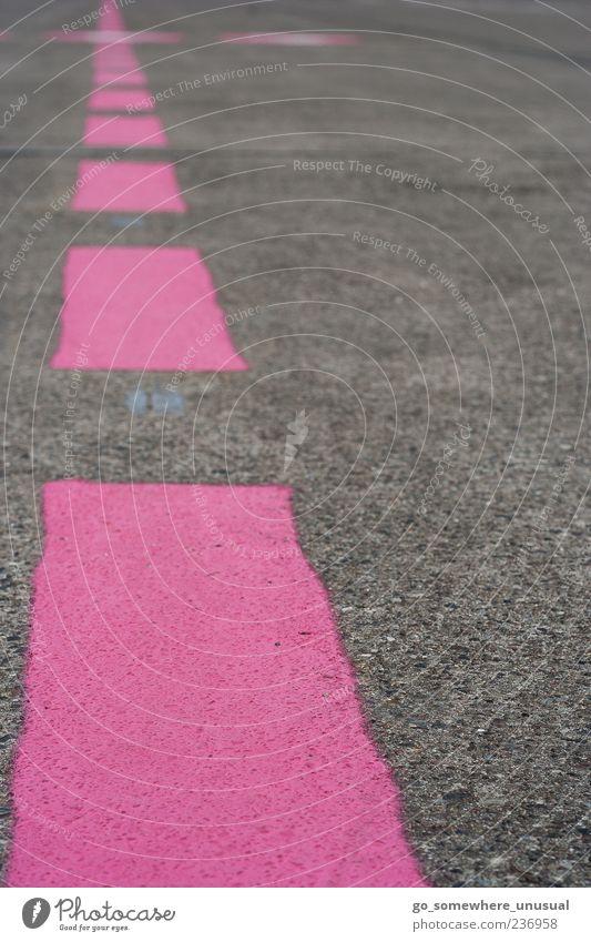 Rosa bis zum Horizont Deutschland Europa Menschenleer Flughafen Luftverkehr Landebahn eckig fest glänzend verrückt trocken rosa achtsam Idee Inspiration