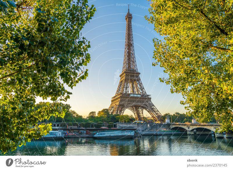 Eifelturm im Sommer Ferien & Urlaub & Reisen Paris Stadt Skyline Tour d'Eiffel Liebe Eiffel Tower France Urban Großstadt Architecture Tourism french cityscape