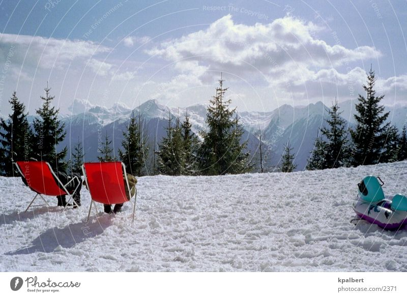 Sonnenbad im Schnee Ferien & Urlaub & Reisen Berge u. Gebirge Liegestuhl