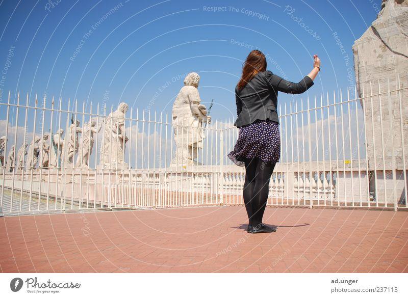 Apostel(f) feminin 1 Mensch Statue Wahrzeichen Denkmal Stein rein ruhig Vatikan Petersdom Farbfoto Außenaufnahme Zentralperspektive Ganzkörperaufnahme einzeln