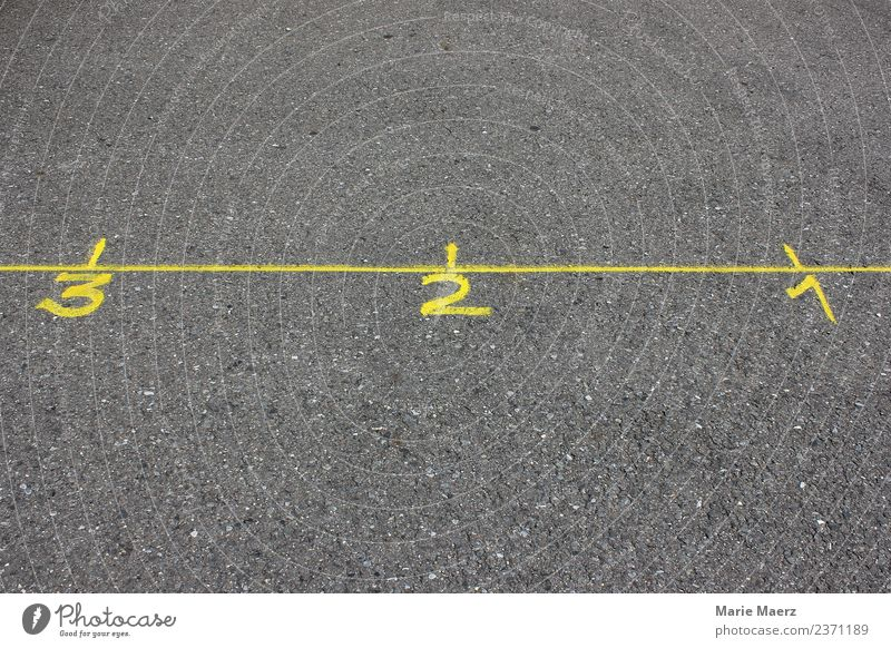 3 - 2 - 1 Countdown Straße Ziffern & Zahlen machen einfach Geschwindigkeit gelb grau Kraft Mut Stress Beginn Bewegung Konkurrenz Zeit Ziel zählen