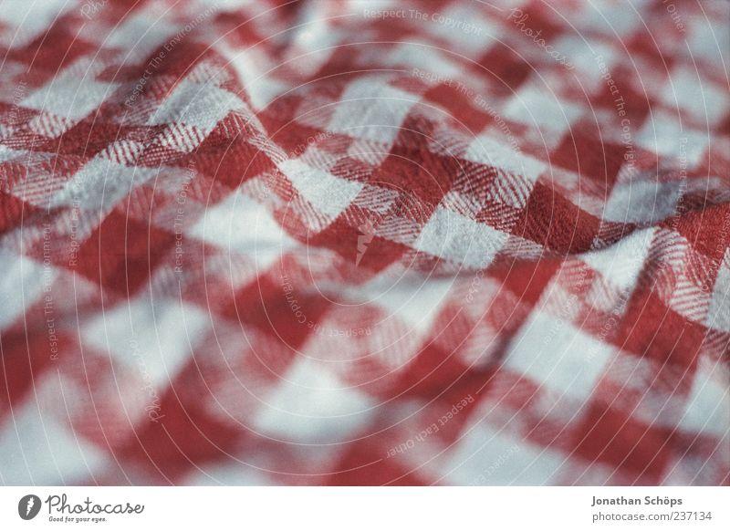 Tischlein deck' dich weiß rot Stoff kariert Tuch Handtuch Tischwäsche Faltenwurf knittern Putztuch Stoffmuster Küchenhandtücher