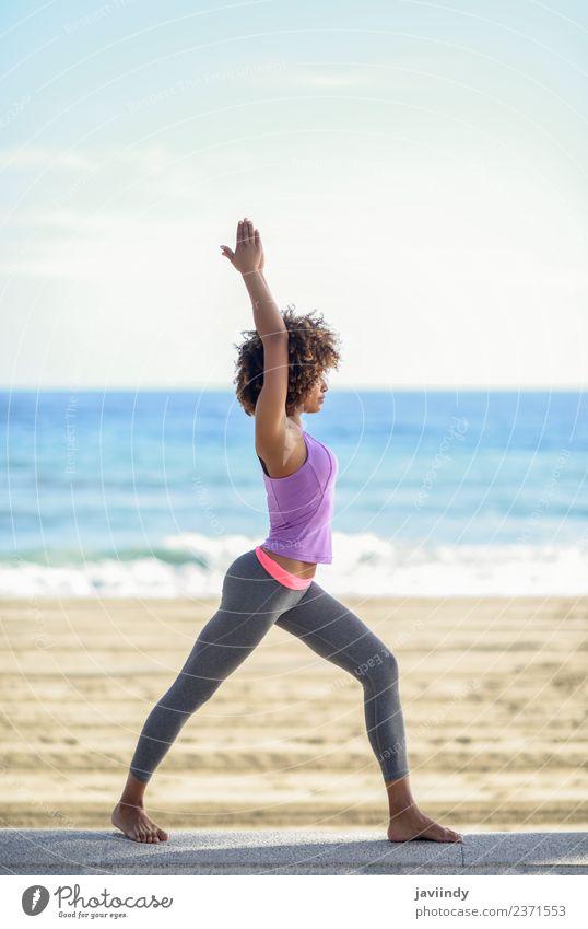 Frau Mensch Jugendliche Junge Frau schön Meer Erholung Strand 18-30 Jahre schwarz Erwachsene Lifestyle Sport Haare & Frisuren Freizeit & Hobby Körper