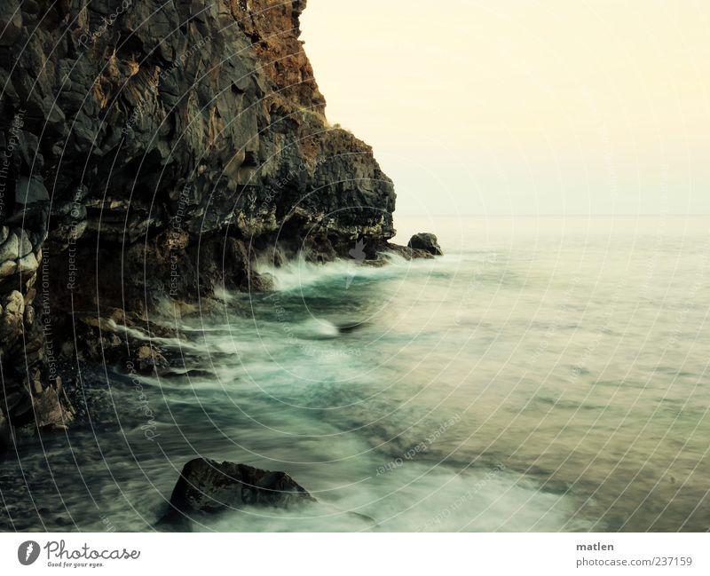 Gestade Himmel Wasser grün Meer Landschaft grau Küste Luft braun Wellen rosa Urelemente Brandung Wolkenloser Himmel Gischt Felswand