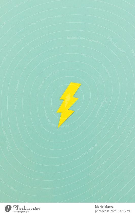Gelber Blitz aus Papier ausgeschnitten Farbe grün gelb Bewegung Kraft verrückt gefährlich Geschwindigkeit Energie Idee Wandel & Veränderung einfach bedrohlich