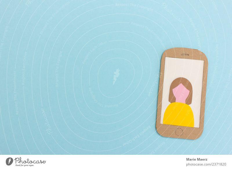 Weibliches Profil-Bild auf Handy Display Frau Mensch blau Einsamkeit Erwachsene Lifestyle feminin Freizeit & Hobby frei modern Kommunizieren