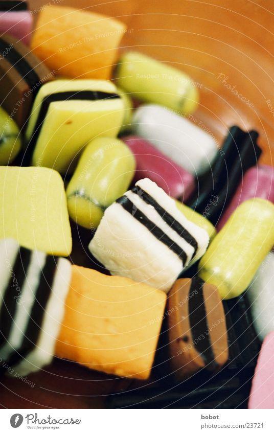 Leckerlis Gummibärchen Colorado süß lecker Ernährung Kalorie Zucker Lakritz mehrfarbig obskur schlickern whoiscocoon