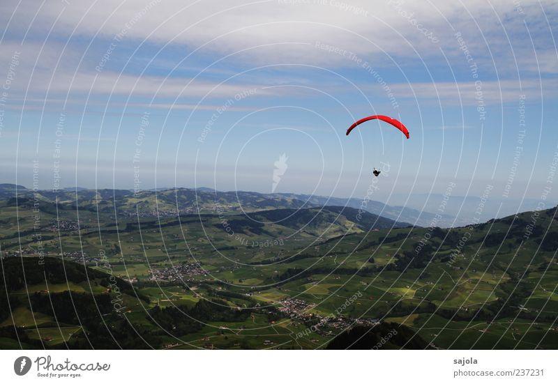 wochenend und sonnenschein Gleitschirm Gleitschirmfliegen Landschaft Himmel Wolken Ostschweiz frei rot Freiheit Farbfoto Außenaufnahme Textfreiraum oben Tag