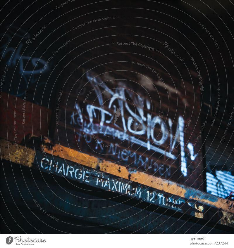 Wo liegt dein Limit? weiß dunkel Graffiti Kultur Wort Englisch Großbuchstabe