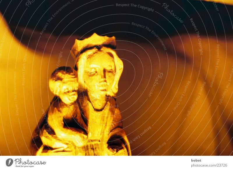 Maria II Kind Holz Religion & Glaube Statue Baumkrone heilig Gott Jesus Christus Christentum Götter Eltern schnitzen