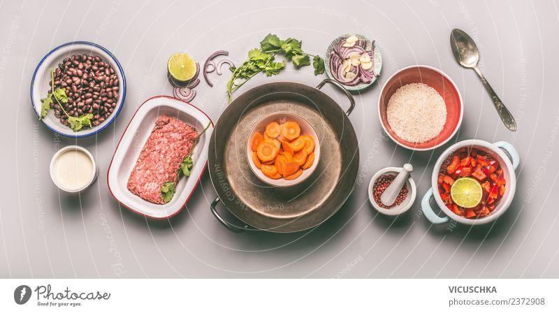 Lebensmittel Zutaten für ausgewogene Ernährung Fleisch Gemüse Getreide Kräuter & Gewürze Öl Mittagessen Abendessen Bioprodukte Diät Geschirr Teller