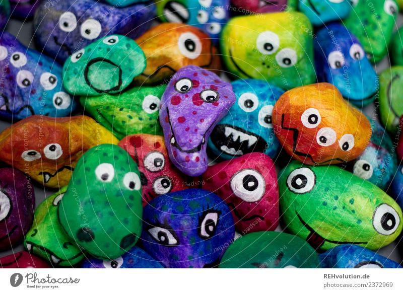 Monstersteine Freude Gesicht Auge lustig Gefühle Kunst Stein Menschengruppe Zusammensein Kreativität verrückt einzigartig Idee viele Zusammenhalt Figur