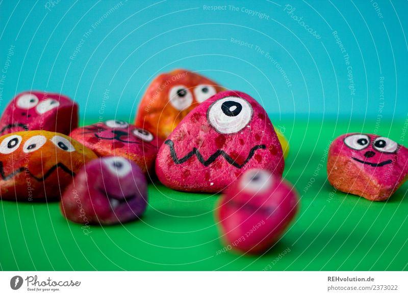 Monstersteine | rot Stil Freizeit & Hobby Kunst Gefühle Stimmung Ehrlichkeit Angst gefährlich Stress Charakter Verschiedenheit außergewöhnlich Auge Figur Stein