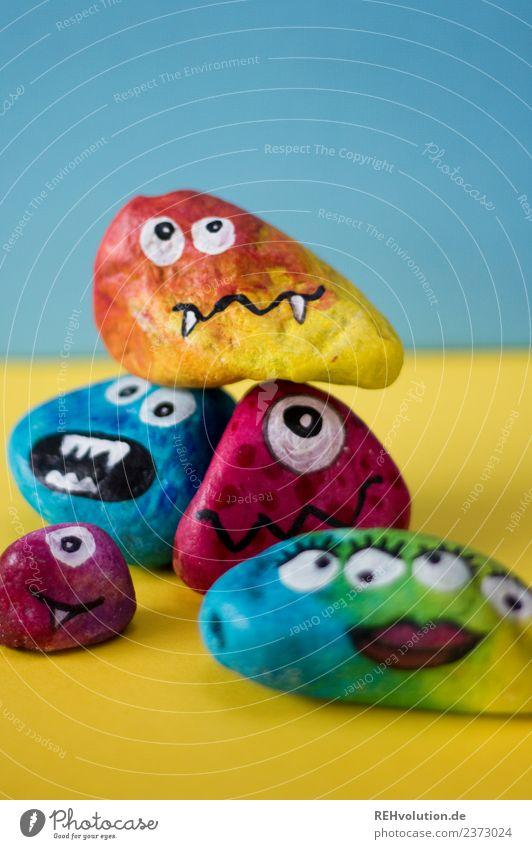 Monstersteine Freizeit & Hobby Gesicht Kunst Stein lustig mehrfarbig Gefühle Stimmung gemalt Kreativität Idee Auge Charakter Zähne Figur Comic Lippen