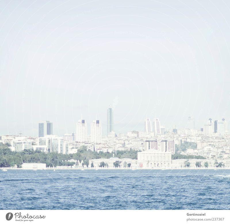 Skyline Istanbul blau Stadt Haus hell Hochhaus Blauer Himmel Türkei Meerstraße Bosporus
