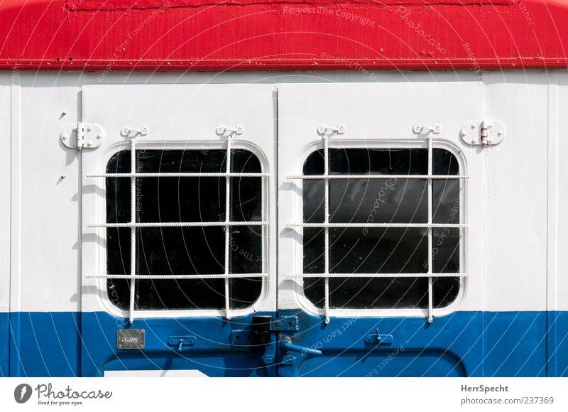 Bauwagen tricolore blau weiß rot Fenster Farbstoff Metall Glas geschlossen Gitter lackiert Bauwagen
