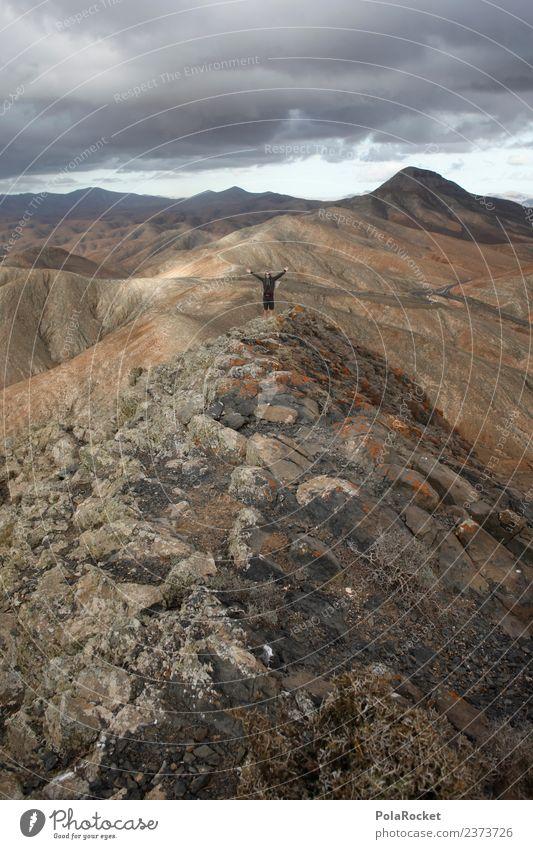 #AS# auf dem Gipfel Kunst ästhetisch Berge u. Gebirge Höhe Niveau Freiheit Freiheitsstatue Junger Mann positiv wandern Außenaufnahme Ziel Erreichen Applaus