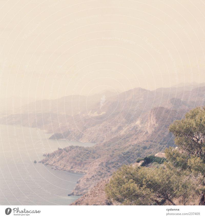 Bis zum Horizont Natur Wasser schön Ferien & Urlaub & Reisen Meer Sommer Einsamkeit ruhig Ferne Erholung Umwelt Landschaft Leben Berge u. Gebirge Küste Freiheit