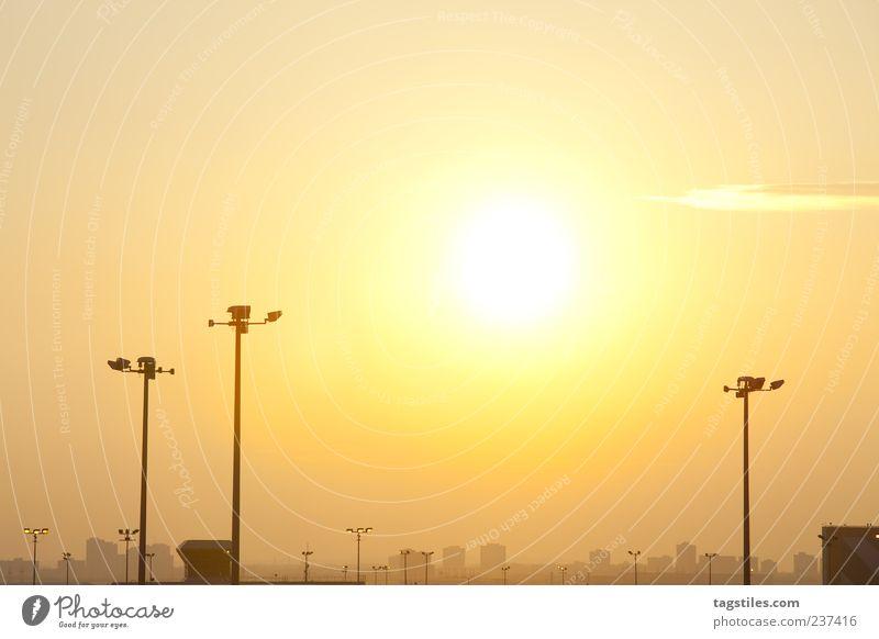 BIG CITY DREAMS Stadt Sonne Sonnenuntergang gelb orange Dämmerung Abend Ferien & Urlaub & Reisen Reisefotografie Toronto Kanada Skyline Laterne